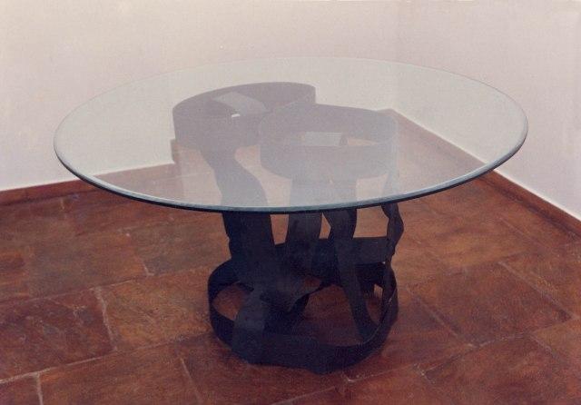 Mesa em Ferro e vidro